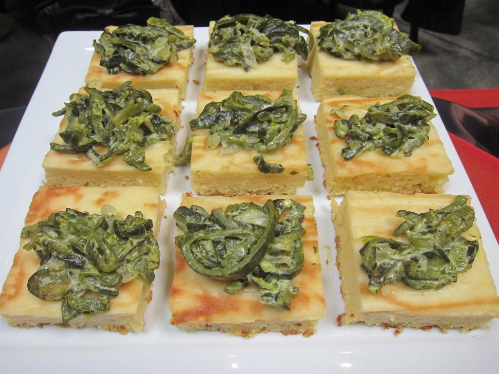 Pastel del Elote con Rajas de Chile Poblano a la Crema